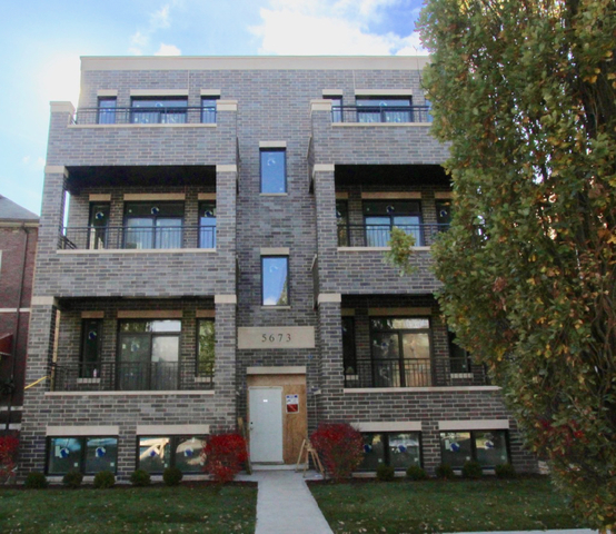 4 Bedrooms, Jefferson Park Rental in Chicago, IL for $2,850 - Photo 1