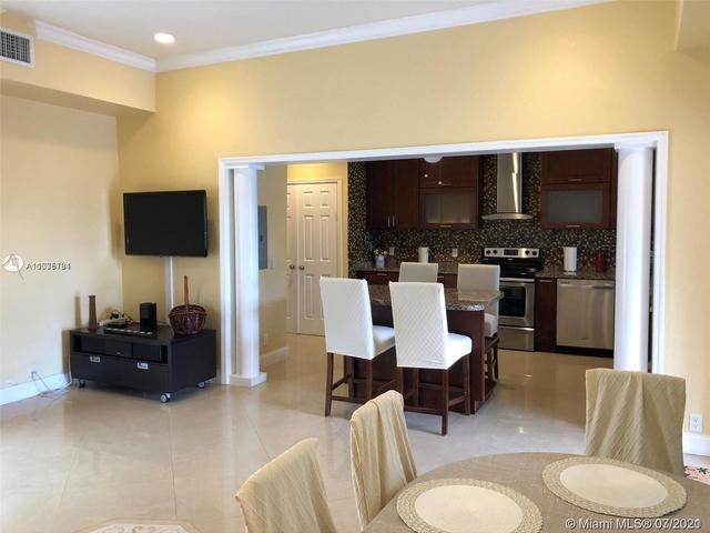 3 Bedrooms, Golden Shores Ocean Boulevard Estates Rental in Miami, FL for $5,700 - Photo 1