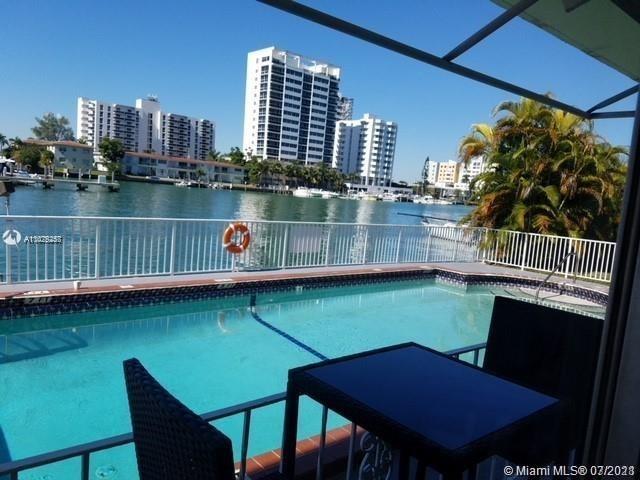 2 Bedrooms, Harbor Island Rental in Miami, FL for $2,300 - Photo 1