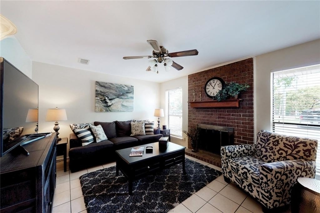 2 Bedrooms, Wolf Pen Creek District Rental in Bryan-College Station Metro Area, TX for $1,650 - Photo 1