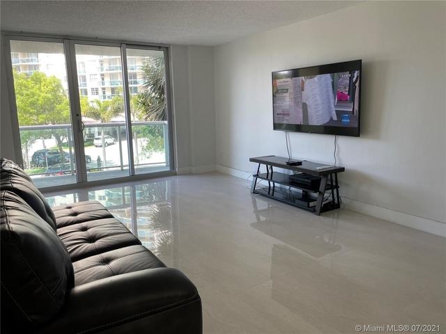 2 Bedrooms, Golden Shores Ocean Boulevard Estates Rental in Miami, FL for $3,500 - Photo 1