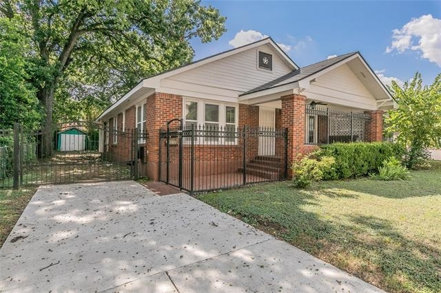 3 Bedrooms, Arlington Heights Rental in Dallas for $2,595 - Photo 1