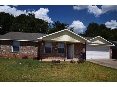 3 Bedrooms, Granbury East Rental in Granbury, TX for $1,550 - Photo 1