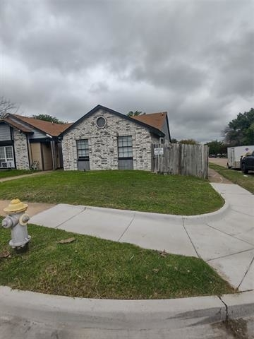 3 Bedrooms, Woods-Sugarberry Rental in Dallas for $1,395 - Photo 1