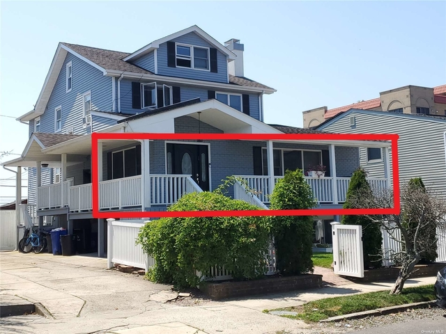 3 Bedrooms, Central District Rental in Long Island, NY for $3,300 - Photo 1