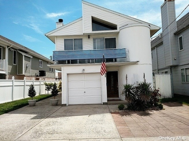 3 Bedrooms, Westholme North Rental in Long Island, NY for $2,900 - Photo 1