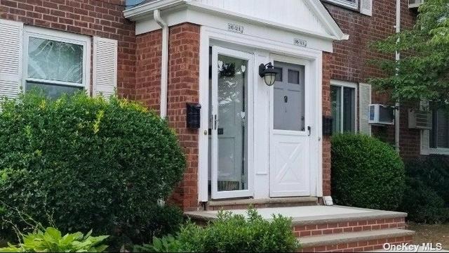 2 Bedrooms, Glen Oaks Village Section 1 Rental in Long Island, NY for $1,950 - Photo 1