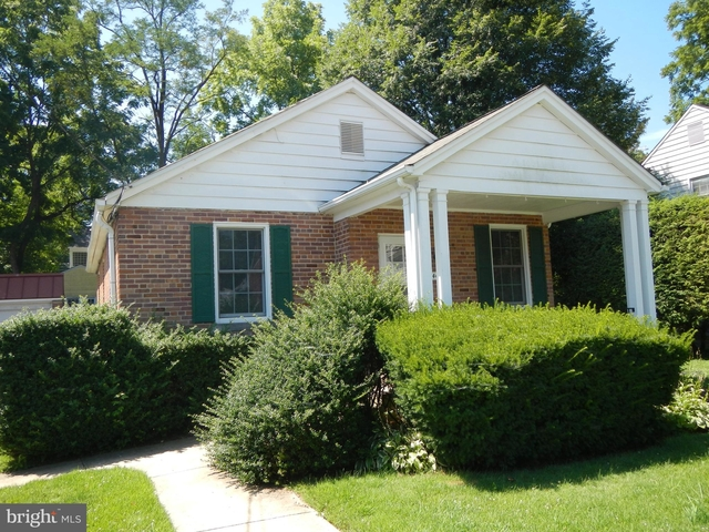 2 Bedrooms, Chevy Chase Rental in Washington, DC for $2,450 - Photo 1
