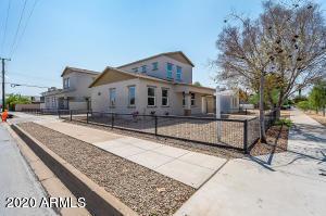 3 Bedrooms, Garfield Rental in Phoenix, AZ for $2,600 - Photo 1