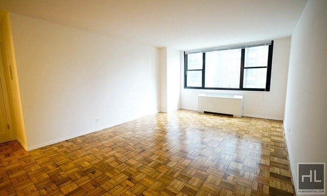 2 Bedrooms, Hell's Kitchen Rental in NYC for $10,636 - Photo 1