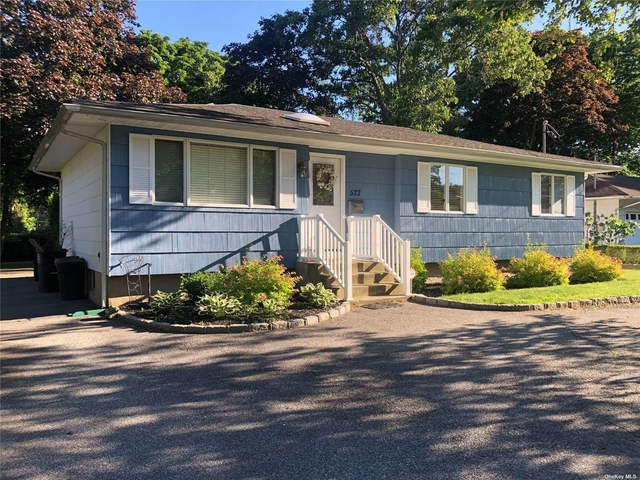 3 Bedrooms, Islip Rental in Long Island, NY for $3,000 - Photo 1