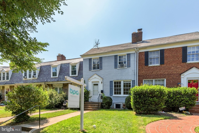 3 Bedrooms, Burleith - Hillandale Rental in Washington, DC for $4,200 - Photo 1