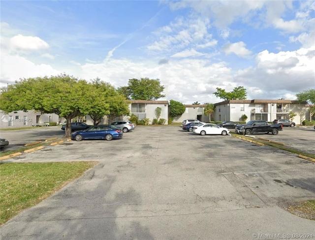 2 Bedrooms, Heftler Kendall Acres Rental in Miami, FL for $1,940 - Photo 1