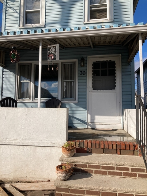 2 Bedrooms, Great Kills Rental in NYC for $1,800 - Photo 1