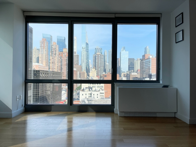 2 Bedrooms, Hell's Kitchen Rental in NYC for $5,860 - Photo 1