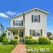 5 Bedrooms, Westbury Rental in Long Island, NY for $5,000 - Photo 1