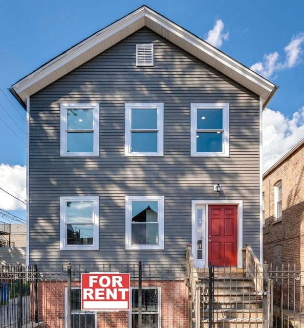 2 Bedrooms, Pilsen Rental in Chicago, IL for $2,300 - Photo 1