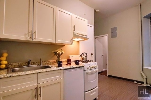 2 Bedrooms, Alphabet City Rental in NYC for $2,525 - Photo 1