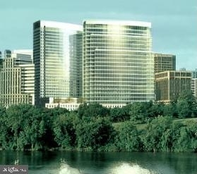 1 Bedroom, North Rosslyn Rental in Washington, DC for $2,100 - Photo 1