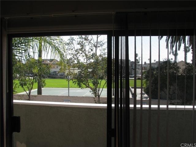 3 Bedrooms, Newport Marina Villas Rental in Los Angeles, CA for $5,000 - Photo 1