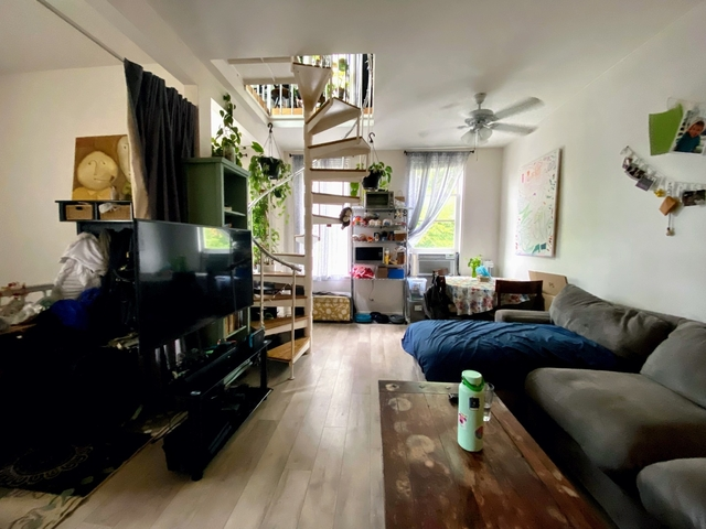 2 Bedrooms, Ranch Triangle Rental in Chicago, IL for $1,985 - Photo 1