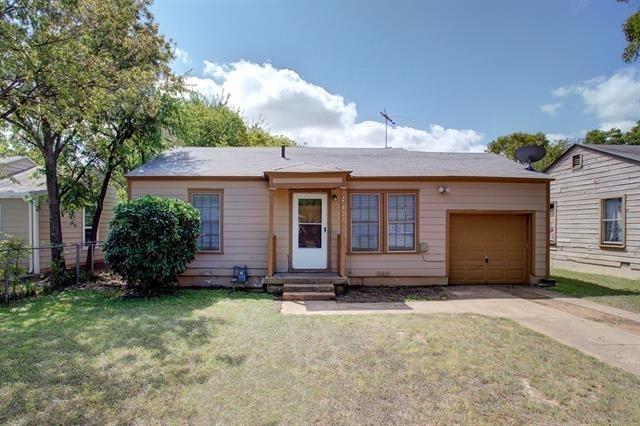2 Bedrooms, Cleburne Rental in Dallas for $900 - Photo 1