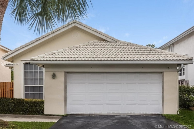 3 Bedrooms, Holiday Springs East Rental in Miami, FL for $3,000 - Photo 1