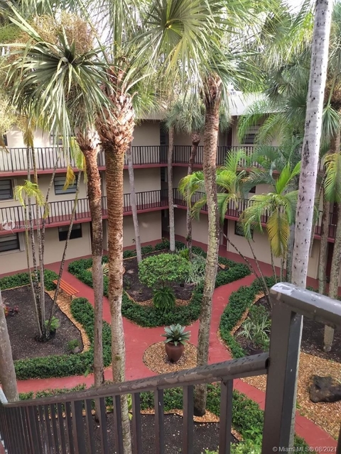2 Bedrooms, Gardens of Kendall South Rental in Miami, FL for $1,875 - Photo 1