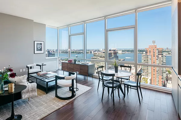 2 Bedrooms, Chelsea Rental in NYC for $9,150 - Photo 1
