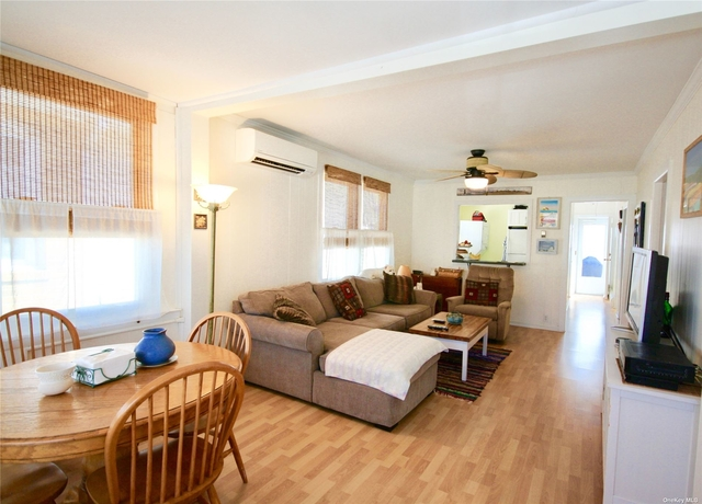 3 Bedrooms, West End Rental in Long Island, NY for $2,500 - Photo 1