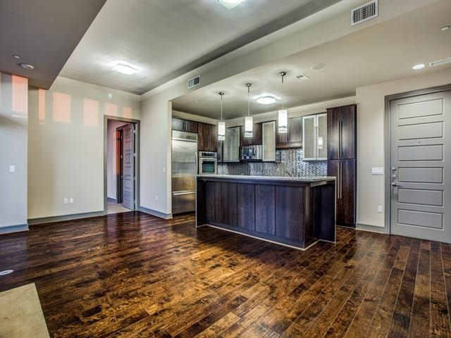 3 Bedrooms, Victory Park Rental in Dallas for $5,257 - Photo 1