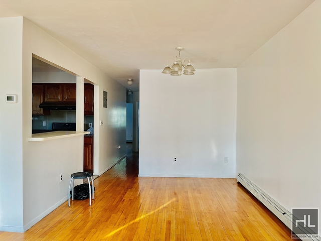 3 Bedrooms, Gravesend Rental in NYC for $2,500 - Photo 1