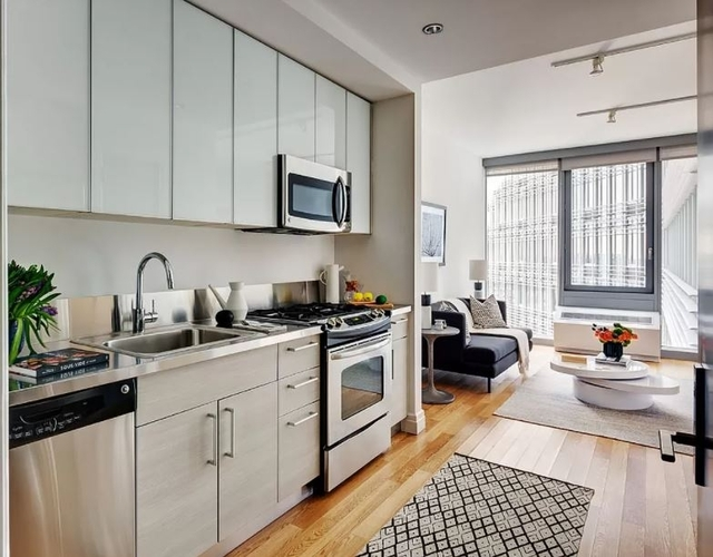 Studio, Hell's Kitchen Rental in NYC for $3,504 - Photo 1