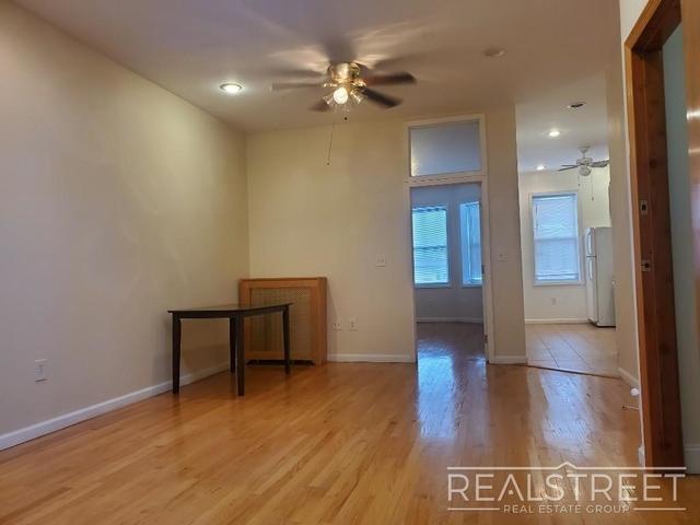 3 Bedrooms, Bensonhurst Rental in NYC for $2,500 - Photo 1