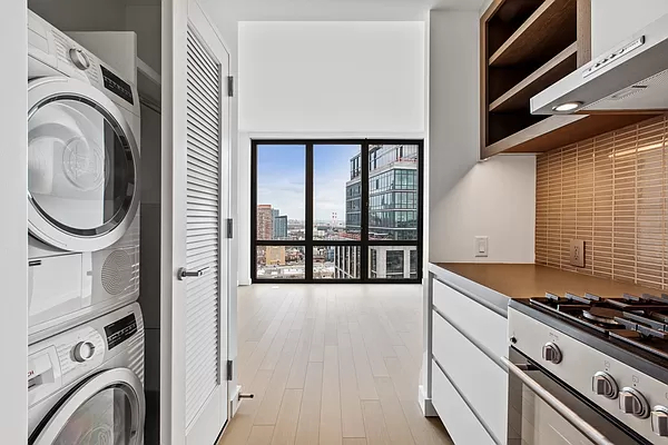 1 Bedroom, Greenpoint Rental in NYC for $4,175 - Photo 1