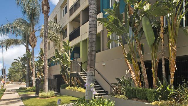 2 Bedrooms, Encino Rental in Los Angeles, CA for $2,893 - Photo 1