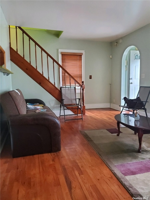 1 Bedroom, St. Albans Rental in Long Island, NY for $850 - Photo 1