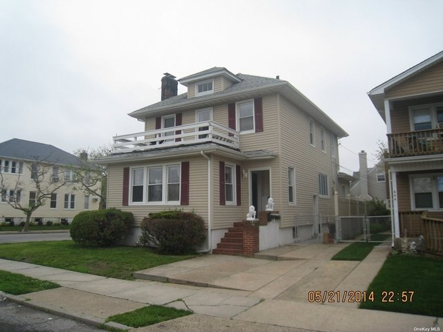 2 Bedrooms, Westholme North Rental in Long Island, NY for $2,400 - Photo 1