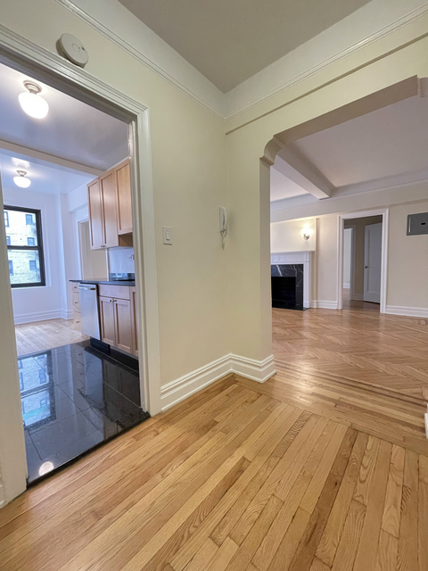 1 Bedroom, Upper East Side Rental in NYC for $4,775 - Photo 1