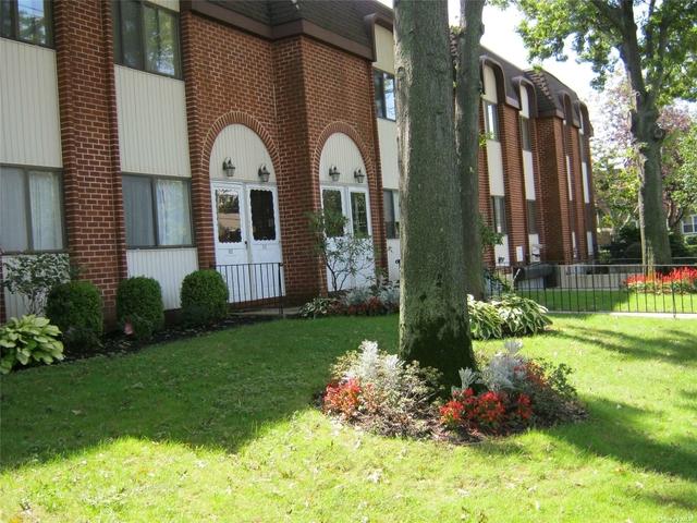 2 Bedrooms, Cedarhurst Rental in Long Island, NY for $2,795 - Photo 1