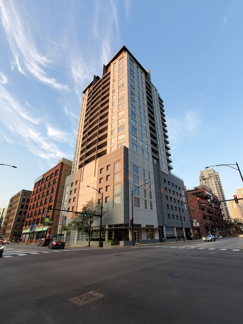 2 Bedrooms, River North Rental in Chicago, IL for $3,950 - Photo 1