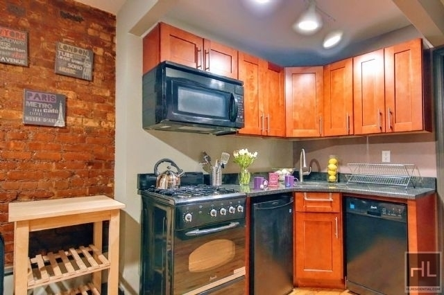 Studio, East Village Rental in NYC for $2,425 - Photo 1