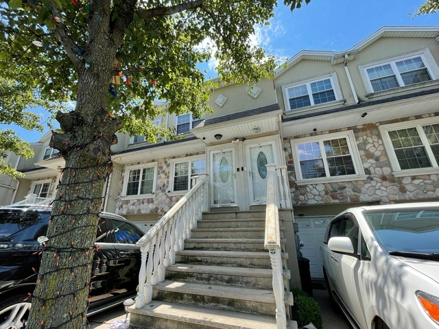 3 Bedrooms, New Dorp Beach Rental in NYC for $2,500 - Photo 1