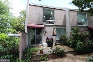 3 Bedrooms, Bethesda Rental in Washington, DC for $3,500 - Photo 1