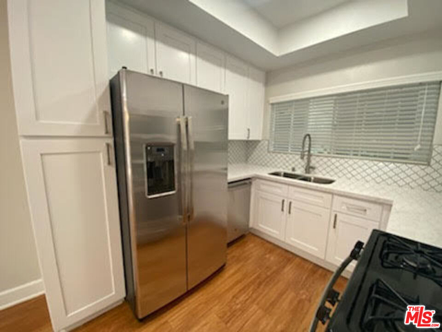 2 Bedrooms, South Robertson Rental in Los Angeles, CA for $3,810 - Photo 1