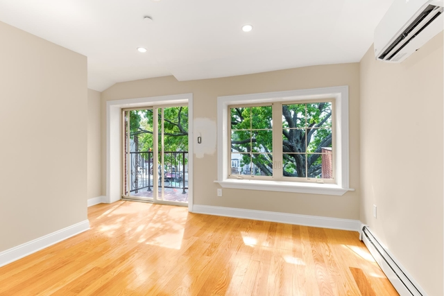 3 Bedrooms, Gravesend Rental in NYC for $3,000 - Photo 1