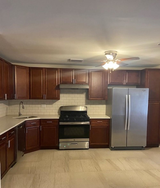 3 Bedrooms, Georgetown Rental in NYC for $3,400 - Photo 1