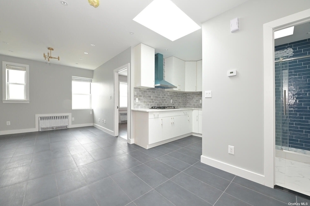 2 Bedrooms, Dyker Heights Rental in NYC for $2,100 - Photo 1