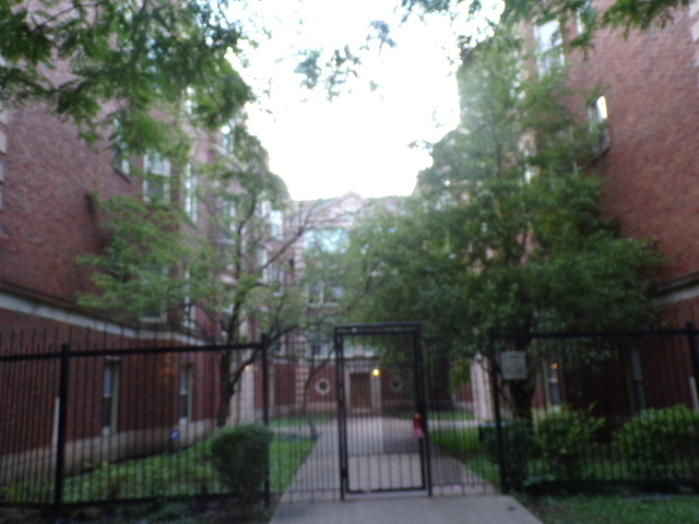 2 Bedrooms, East Chatham Rental in Chicago, IL for $925 - Photo 1