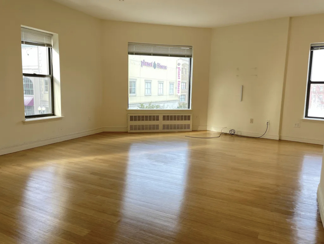 2 Bedrooms, Downtown New Rochelle Rental in NYC for $2,350 - Photo 1